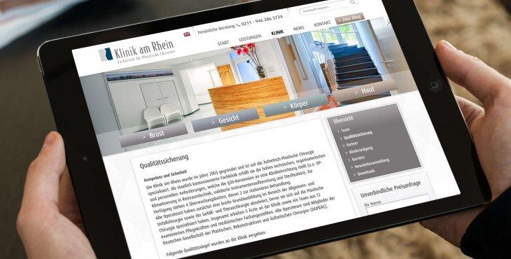 Tablet-Darstellung der Webseite der Klinik am Rhein