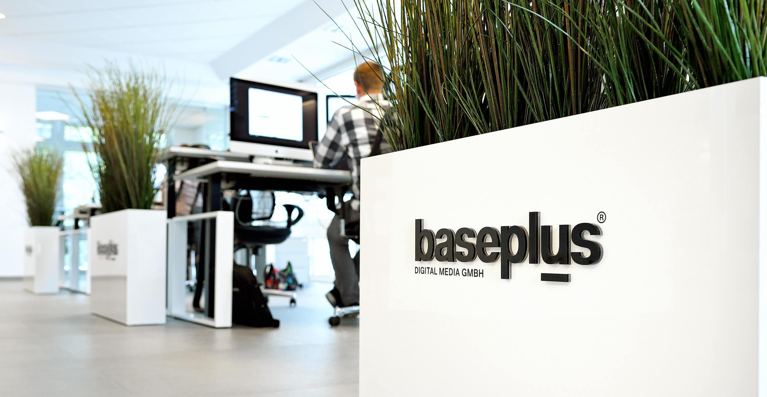 (c) Baseplus.de