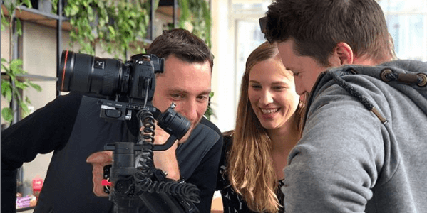 Bei Video-Dreharbeiten Agentur